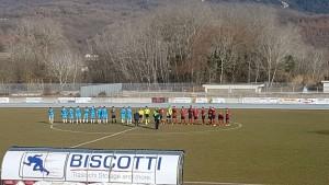 Il saluto iniziale di Campobasso e Pineto allo stadio 'Lancellotta' di Isernia