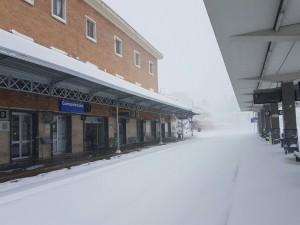 La stazione ferroviaria di Campobasso sommersa dalla neve