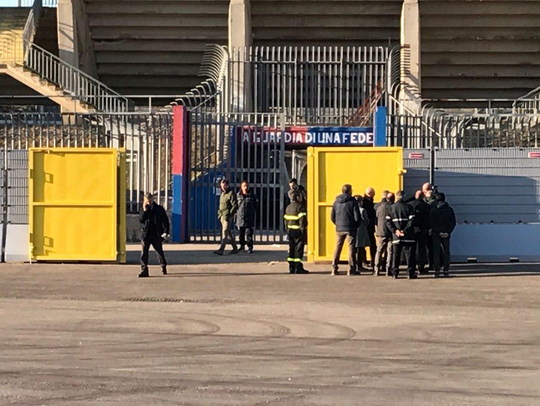 Photo of Cronache marziane / Nel giorno dell'apertura del parcheggio dello stadio, trasferta semi vietata ai tifosi avversari. A Campobasso per tornare a vedere una partita 'colorata', oltre ai divisori, cos'altro serve?
