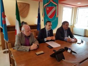 Il governatore Frattura tra l'assessore Nagni e il consigliere regionale Ciocca