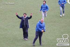 Francesco Farina festeggia dopo la vittoria del campionato (foto cerignolaviva.it)
