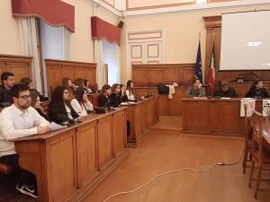 Alcuni studenti della 5^ A del Liceo Scientifico 'Alberto Romita' protagonisti del dibattito