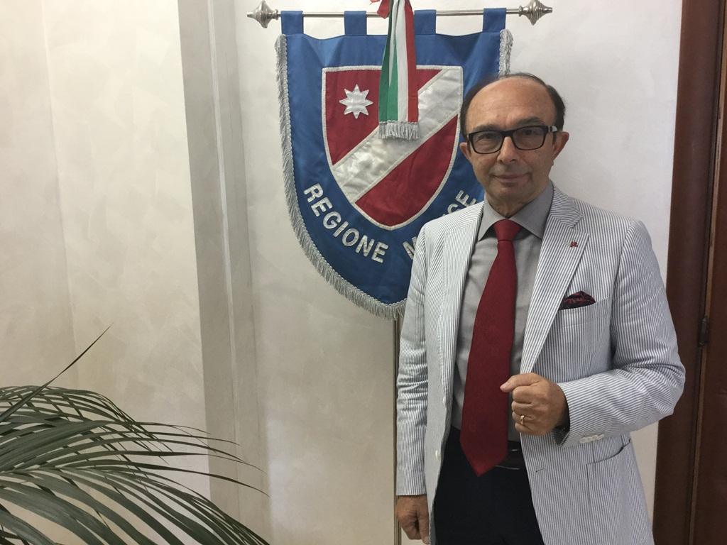 Il presidente del Consiglio regionale, Vincenzo Cotugno
