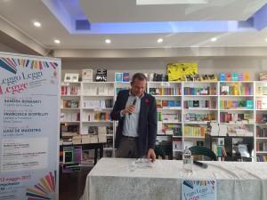 Luigi De Magistris, sindaco di Napoli e autore del libro 'La città ribelle'
