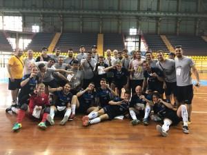 Il Cus Molise campione d'Italia di futsal, insieme al team di pallacanestro