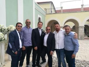 I colleghi del Nucleo Cinofili di Campobasso con lo sposo Tommaso Miele