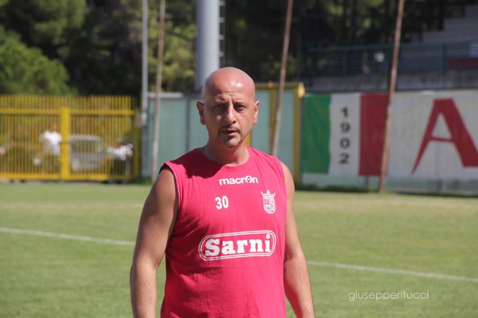 L'allenatore Roberto Barrea