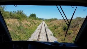 Uno scatto dalla cabina di guida: il tratto di ferrovia tra Campochiaro e Bojano