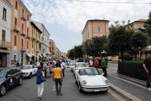 Le auto lungo Corso Vittorio Emanuele