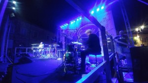 Un momento dell'esibizione di Tony Esposito