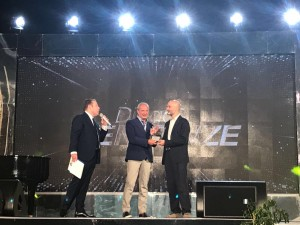 Il premio ricevuto dal presidente Mario Pietracupa