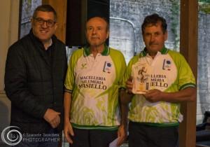 I vincitori di Castel del Giudice, Tudino e D'Alessandro, col sindaco Lino Gentile