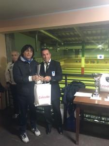 Il direttore di gara Giovanni Colitti e l'atleta Corrado Puzo
