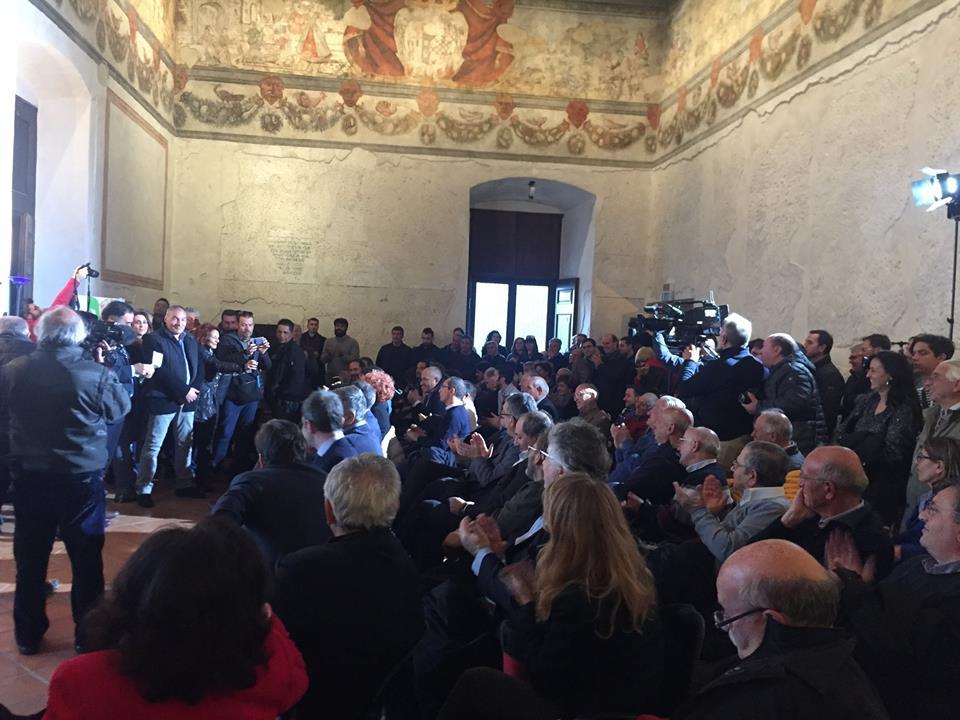 Renzi al Castello Pandone