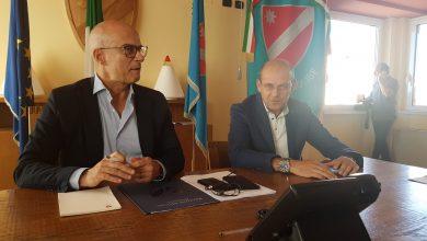 Photo of Staffetta tra Pallante e Di Baggio che si scambiano il ruolo. Fratelli d'Italia entra in Giunta con la delega ai trasporti. A Forza Italia va il sottosegretario. Marone resta