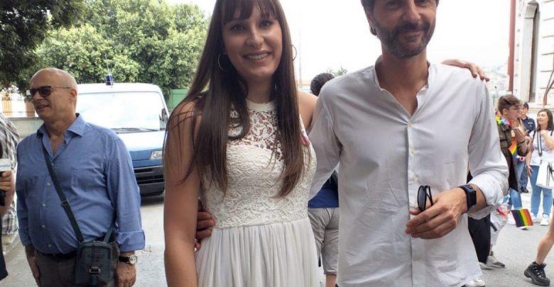 La presidente dell'Arcigay Molise, Luce Visco, insieme al sindaco di campobasso, Roberto Gravina, nel giorno del Molise Pride