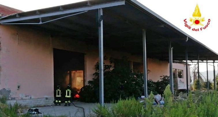 Guglionesi, il capannone industriale andato a fuoco