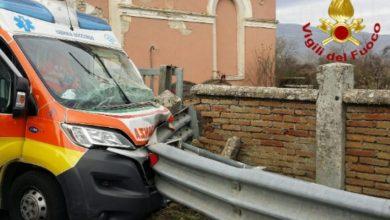 Photo of Infarto alla guida, ambulanza si schianta a San Massimo. Gravi l'autista e una donna colpita da ictus