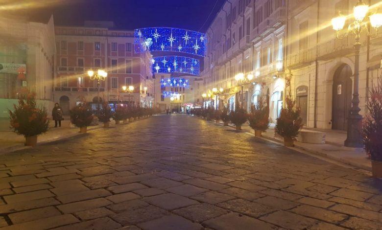 Addobbi in Piazza Gabriele Pepe