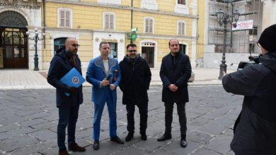 """Photo of Videosorveglianza a Campobasso, Striscia la Notizia irrompe in città. Esposito, Colagiovanni e Annuario: """"L'impianto non funziona e Gravina pensa a comprare altre telecamere"""""""