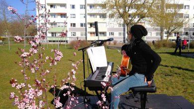 """Photo of """"Quando le persone non possono arrivare alla cultura, la cultura viene agli esseri umani"""",Elena Bianchi porta la musica italiana nelle case dei tedeschi in quarantena"""