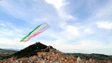 Photo of Emozione per il passaggio delle Frecce Tricolori nei cieli di Campobasso