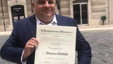 Photo of Vincenzo Cimino Cavaliere della Repubblica: le congratulazioni di CBlive all'amico e collega