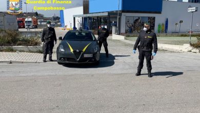 Photo of In auto con 90 grammi tra eroina e cocaina, la Guardia di Finanza arresta un uomo