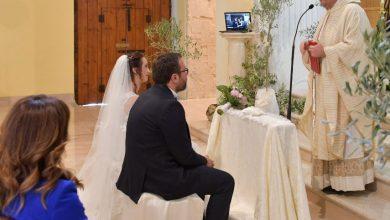 Photo of La nuova 'veste' dei matrimoni al tempo del Covid: per Fabrizio e Valentina con Skype la testimone si collega dall'Australia