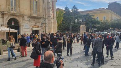 """Photo of In Piazza Pepe per protestare contro le misure del DPCM del 24 ottobre. Santangelo: """"Arriveremo al collasso"""""""