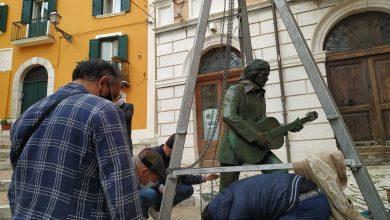Photo of Campobasso, nel cuore della città la statua che rende omaggio a Fred Bongusto